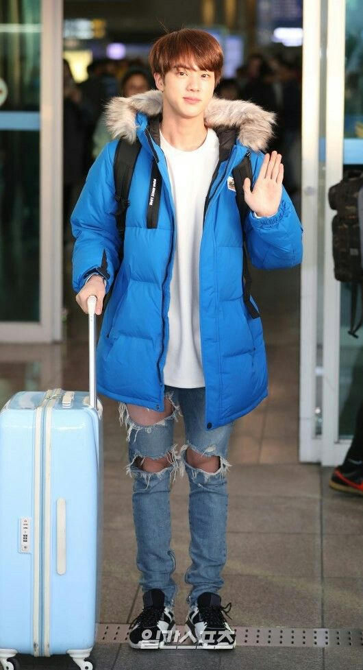 Jin ❤ Seokjin at Incheon airport going to Sulawesi Idonesia