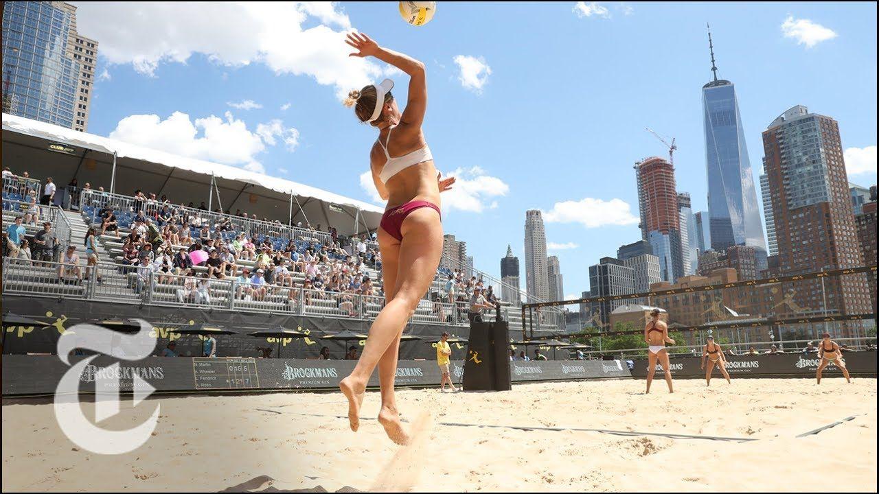 April Ross gioca a Beach Volleyball al The AVP New York City Open | The Daily 360, New York TImes. http://virtualmentis.altervista.org/