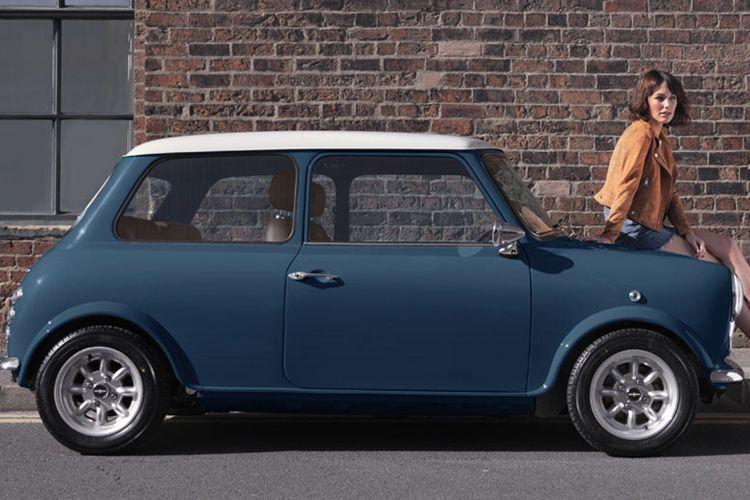 The Mini Remastered By David Brown Automotive Man Of Many Mini Cooper Classic Classic Mini Mini Cooper