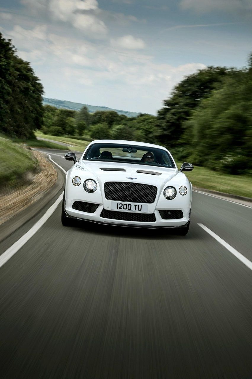Bentley Continental GT3-R (2014). inspired by the Continental GT3 race car. 4WD 4.0 L twin-turbo V8 580 hp. Only 300 units in the world. Wise and strong, silky and brutal, a noble example of speed.