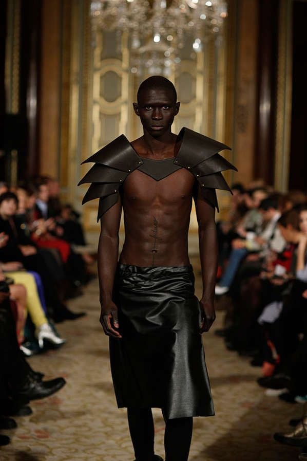Fashion Inspiration )Eccentric Armor Accessories - The Valentim Quaresma Fall/Winter 2013 Collection is Metal-Infused (GALLERY))