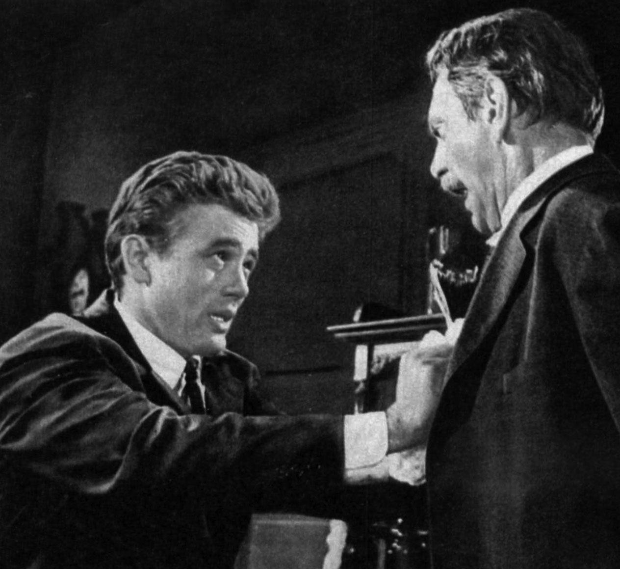 "James Dean, ""Al Este del Edén"" (East of Eden), con Raymond Massey, 1955"