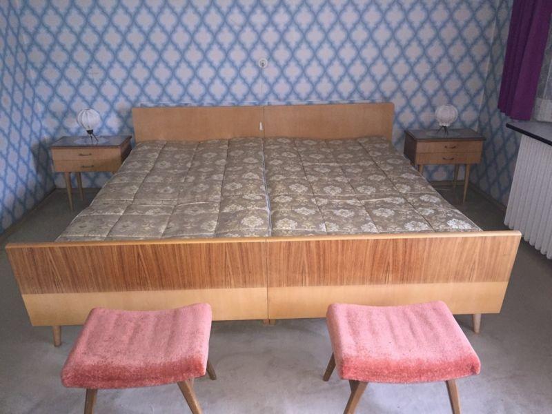 Bett aus den 50er / 60er Jahren Attic bedrooms, Home