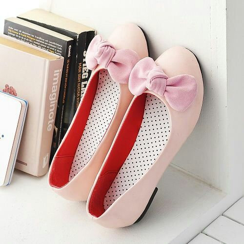 Cream flats and baby pink bows