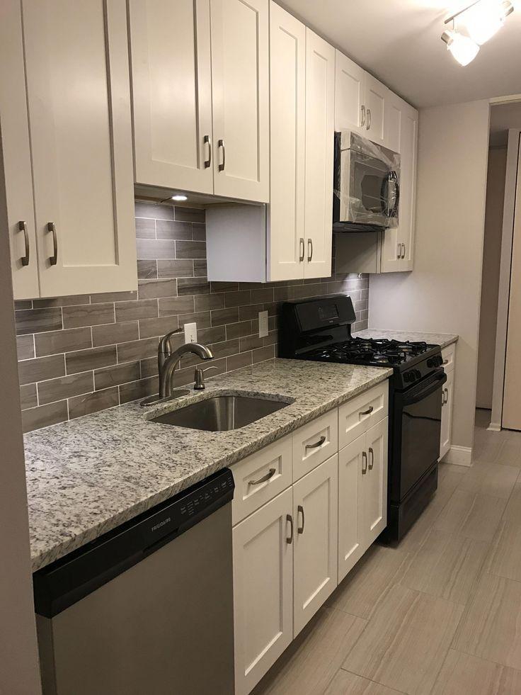 25+ Grey Kitchen Ideas (Modern Accent Grey Kitchen Design) #ikeagalleykitchen