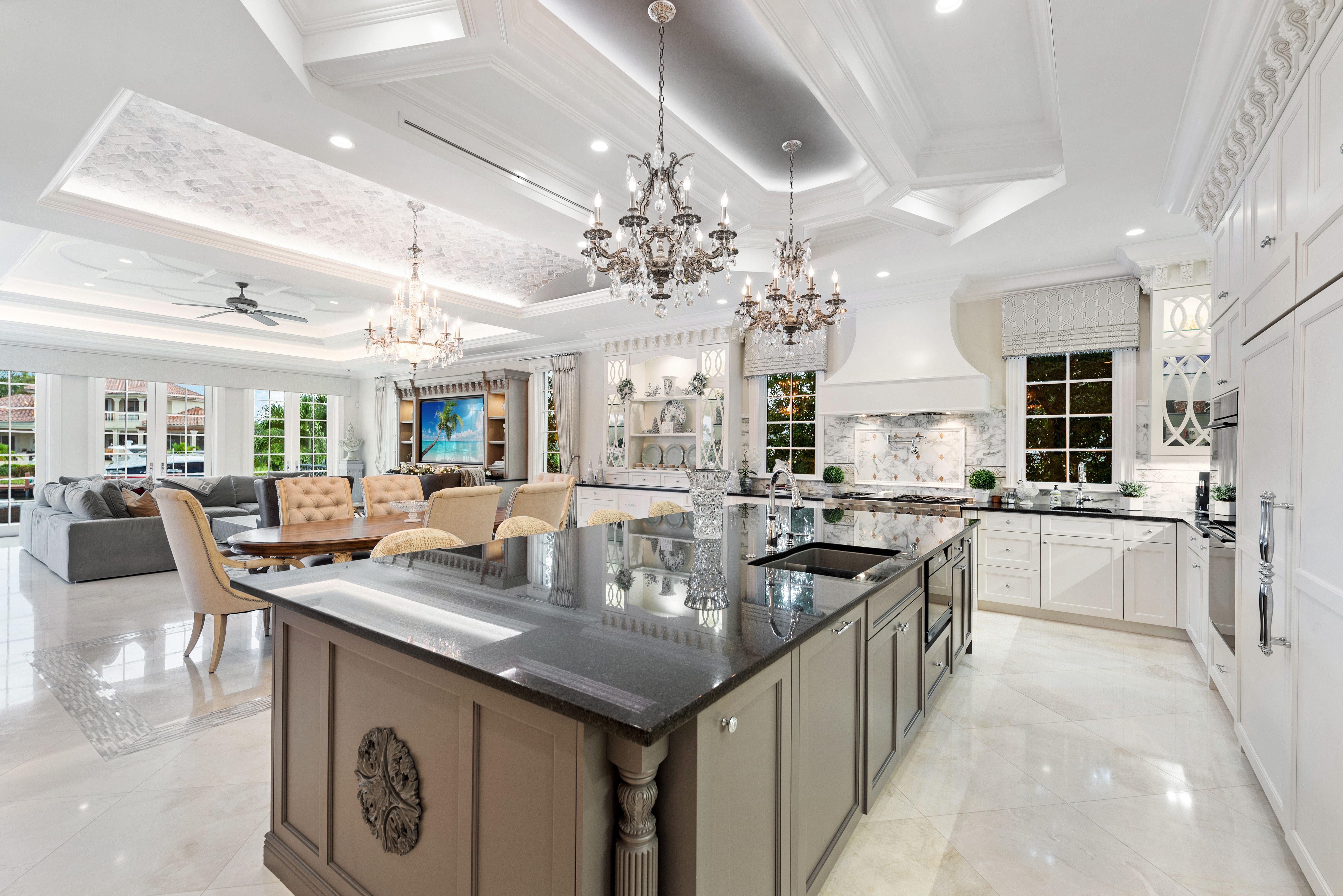 Florida Kitchen Designed By Kitchensforliving Holidaykitchens Brendandonovancabinets Kitchen And Bath Design Kitchen Design Home Decor