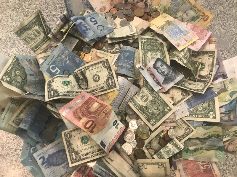 Cash stays king as nervous investors stash dough ahead of