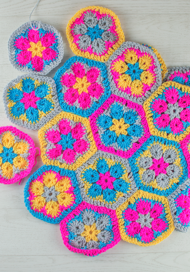 New Year's Resolution: This is made up from African flower hexagons, the link to the tutorial is in the post. It's a great one by Bella Coco.
