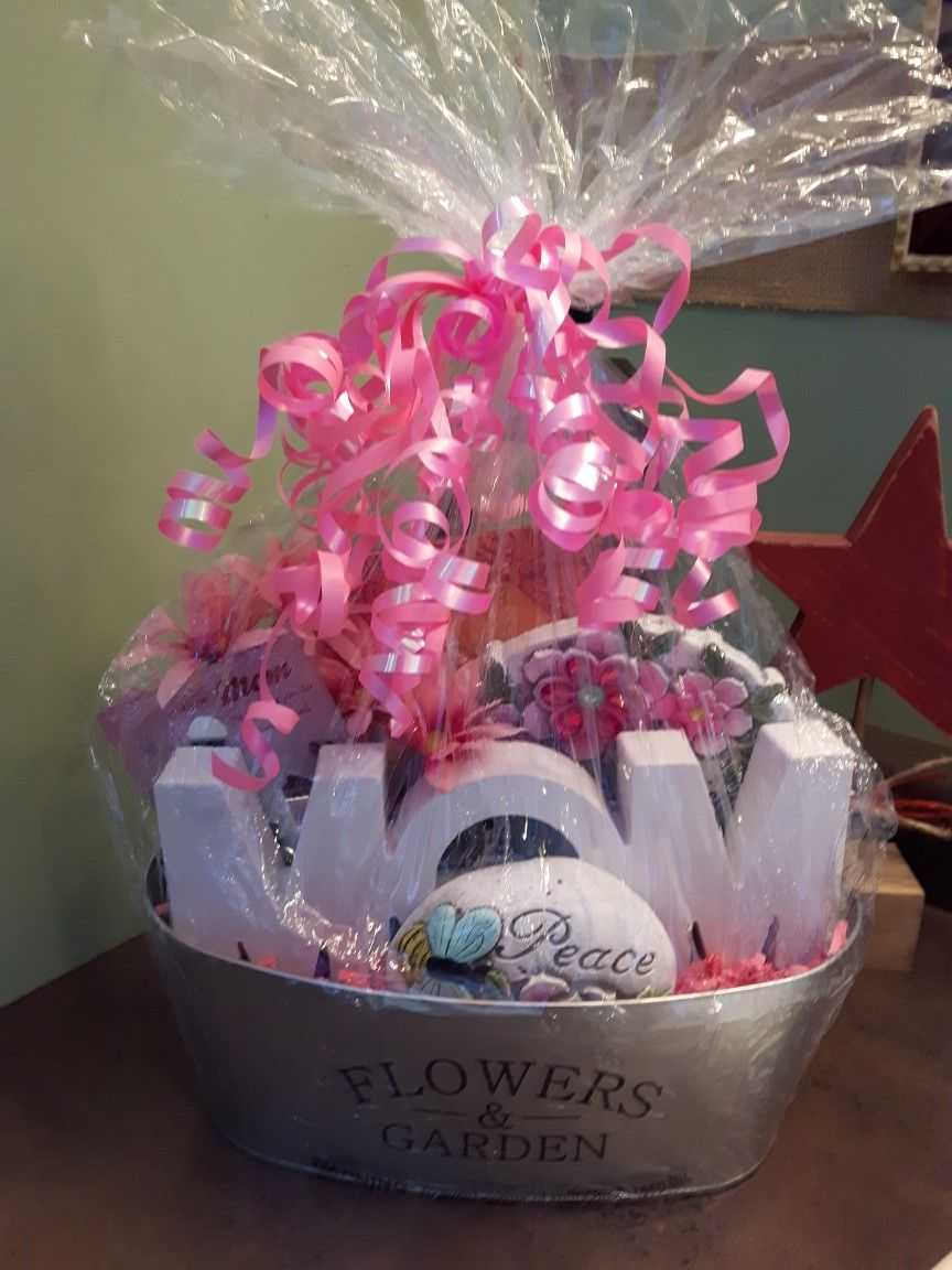 Mothers Day gift basket I made. Mothers day baskets