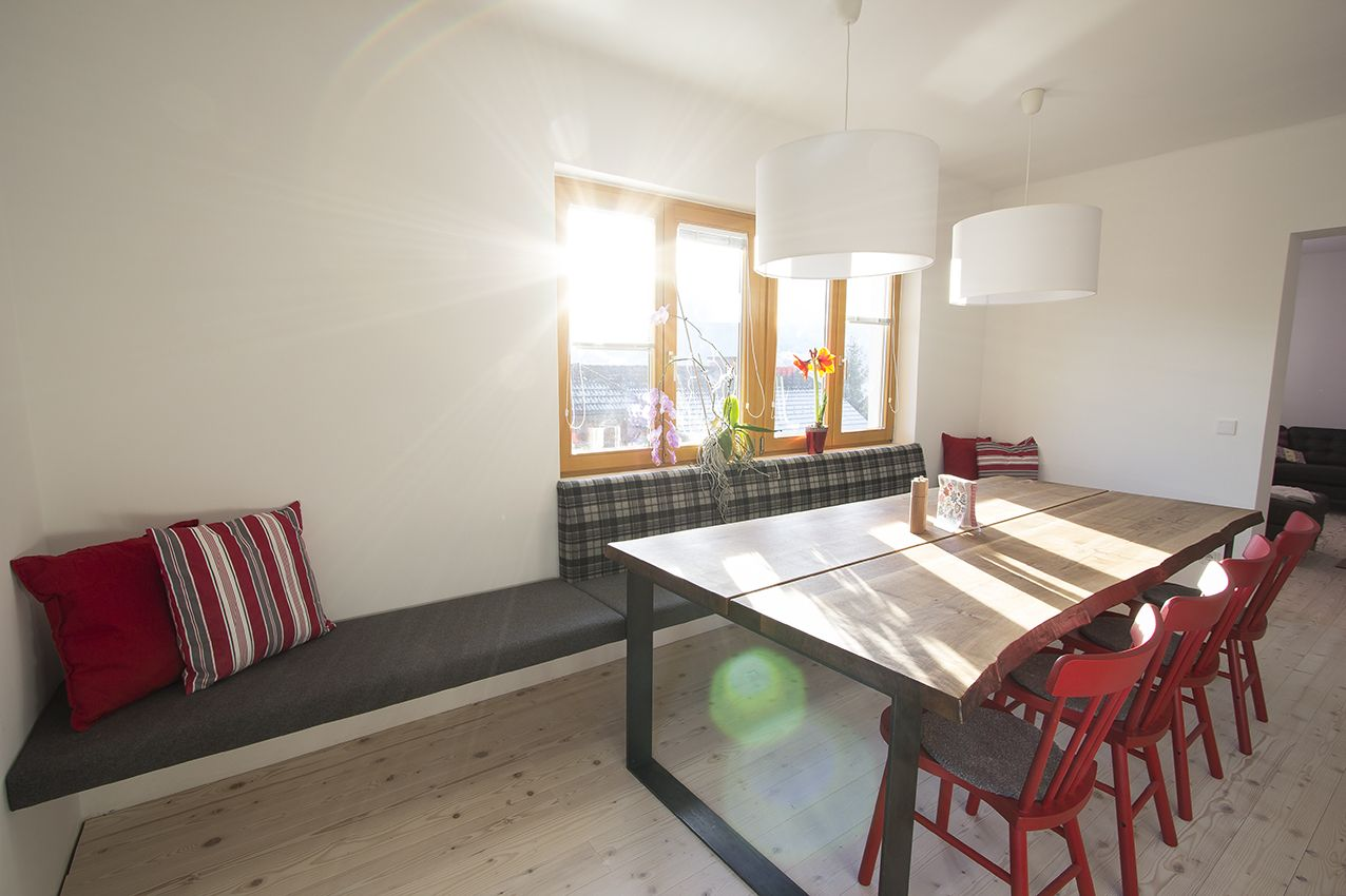 f nf meter lange raumlange sitzbank aus unserer tischlerei. Black Bedroom Furniture Sets. Home Design Ideas