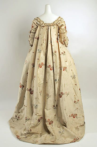 Robe à la Française Date: 1760–80 Culture: British Medium: silk Dimensions: Length (a): 63 in. (160 cm) Length (b): 8 in. (20.3 cm) Length (c): 43 in. (109.2 cm) Credit Line: Rogers Fund, 1925 Accession Number: 25.12a–c