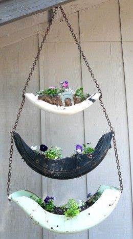 Vintage motorcycle fenders planter #gartenrecycling