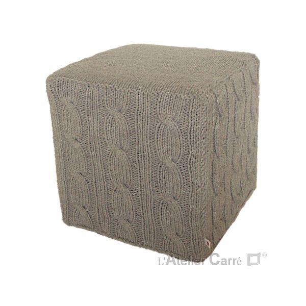 housse pour pouf carr en tricot torsad id es pour la. Black Bedroom Furniture Sets. Home Design Ideas
