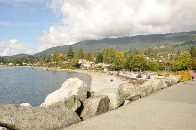 Kaipaatko matkaltasi upeita maisemia, kaupunkielämyksiä ja luontokokemuksia? Suosittelen ehdottomasti Vancouveria Kanadan länsirannikolla. Jo keskikaupungilla kävellessä voin luvata henkeä salpaavia meri- ja vuorimaisemia. Saati sitten jos vuokraa päiväksi tai pariksi auton ja kiertelee lähialueita.  Tässä muutamia vinkkejä matkailijalle: