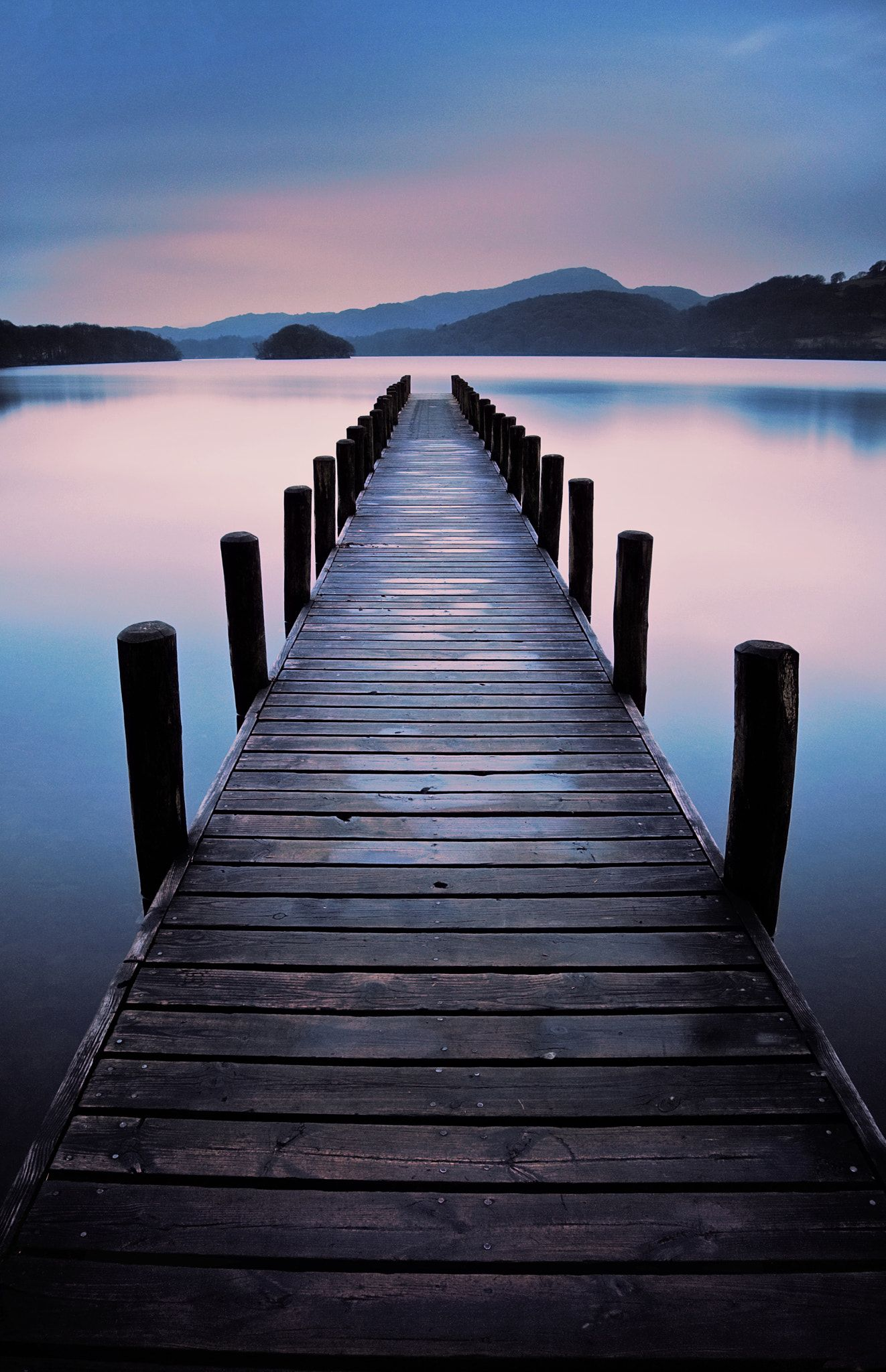 Coniston Jetty Jetty On Coniston Water Lake District Long Exposure After A Light Rain Shower In 2020 Landscape Photos Nature Photography Landscape Photography
