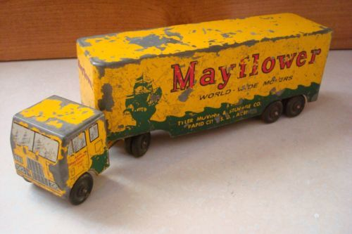 VINTAGE YELLOW RALSTOY MAYFLOWER MOVING TRUCK TRACTOR - TRAILER MOVER