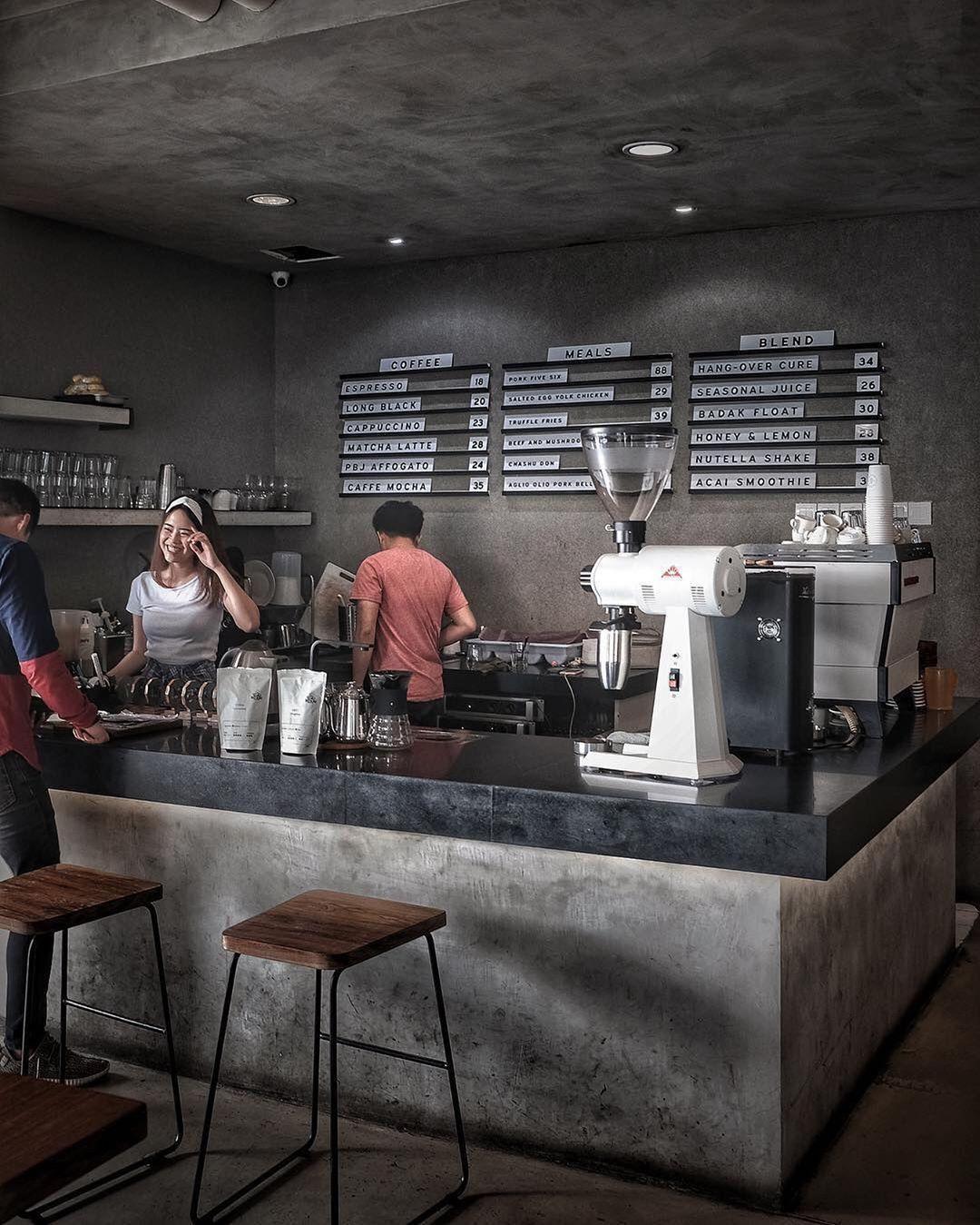 Port Five Six Jakarta Love Die Art Und Weise Dieser Coffeeshop Ist Grau Durch Schiefer Die In 2020 Coffee Shop Decor Modern Coffee Shop Coffee Shops Interior