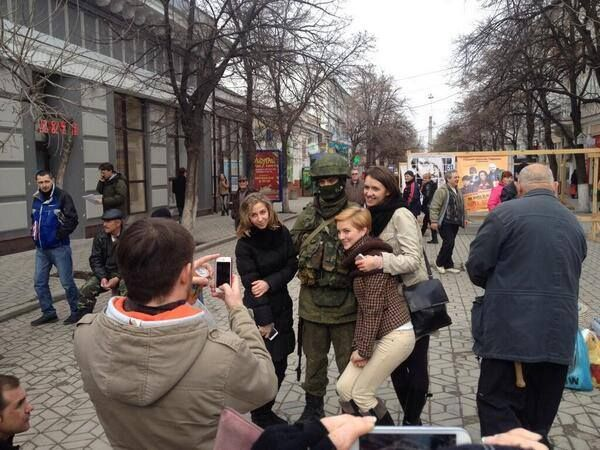 """""""Soft-Power"""", """"Farb-Revolutionen"""" und """"gelenkte Aufstände"""" – diese Begriffe füllten die Schlagzeilen von alternativen Medien, während die westlichen Leitmedien von """"russischer Aggression"""" ode…"""