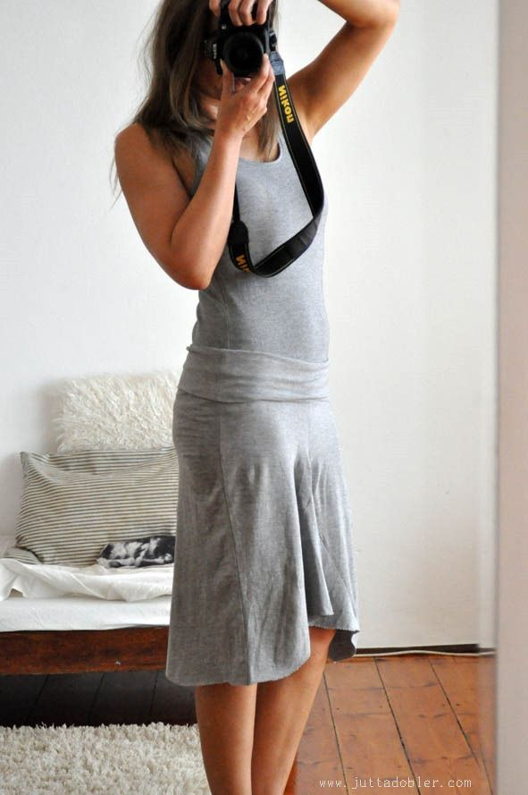 DIY Summer Dress from old Yoga Pants! ((Since mine are getting loose, might as well try instead of turning into wrags!))