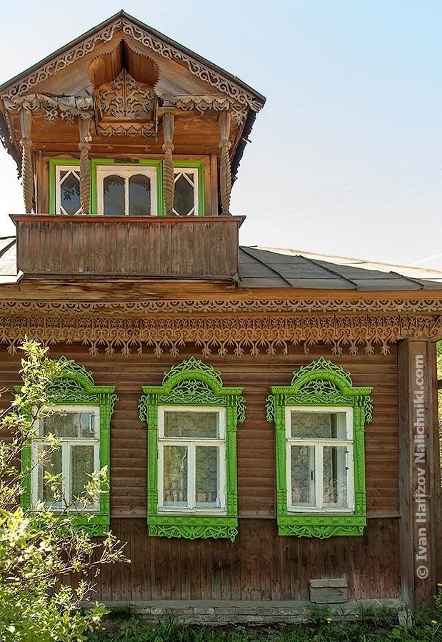 A House with a floral pattern in Kostroma city