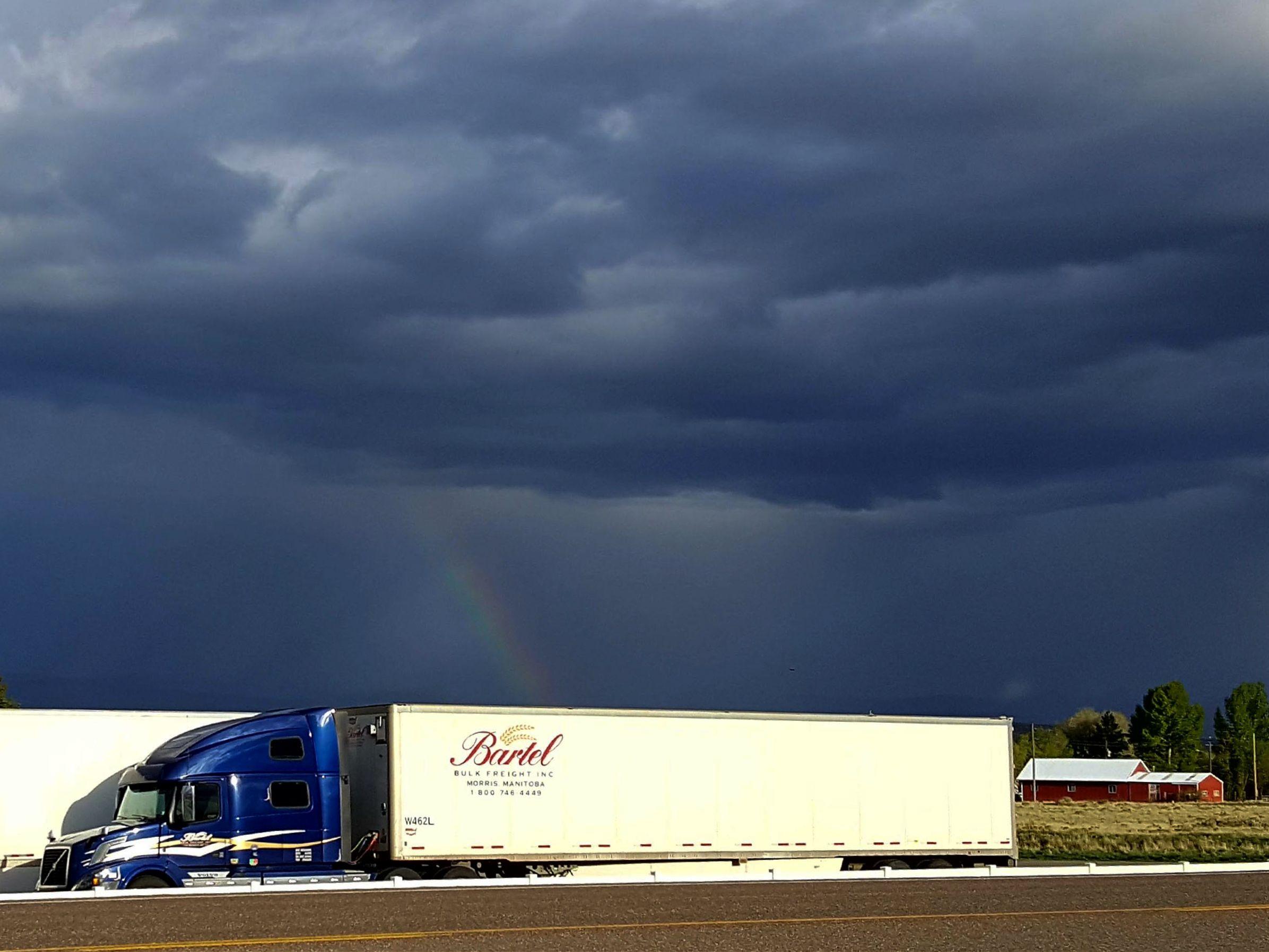 Manitoba Trucking Company Serving Winnipeg, US & Canada