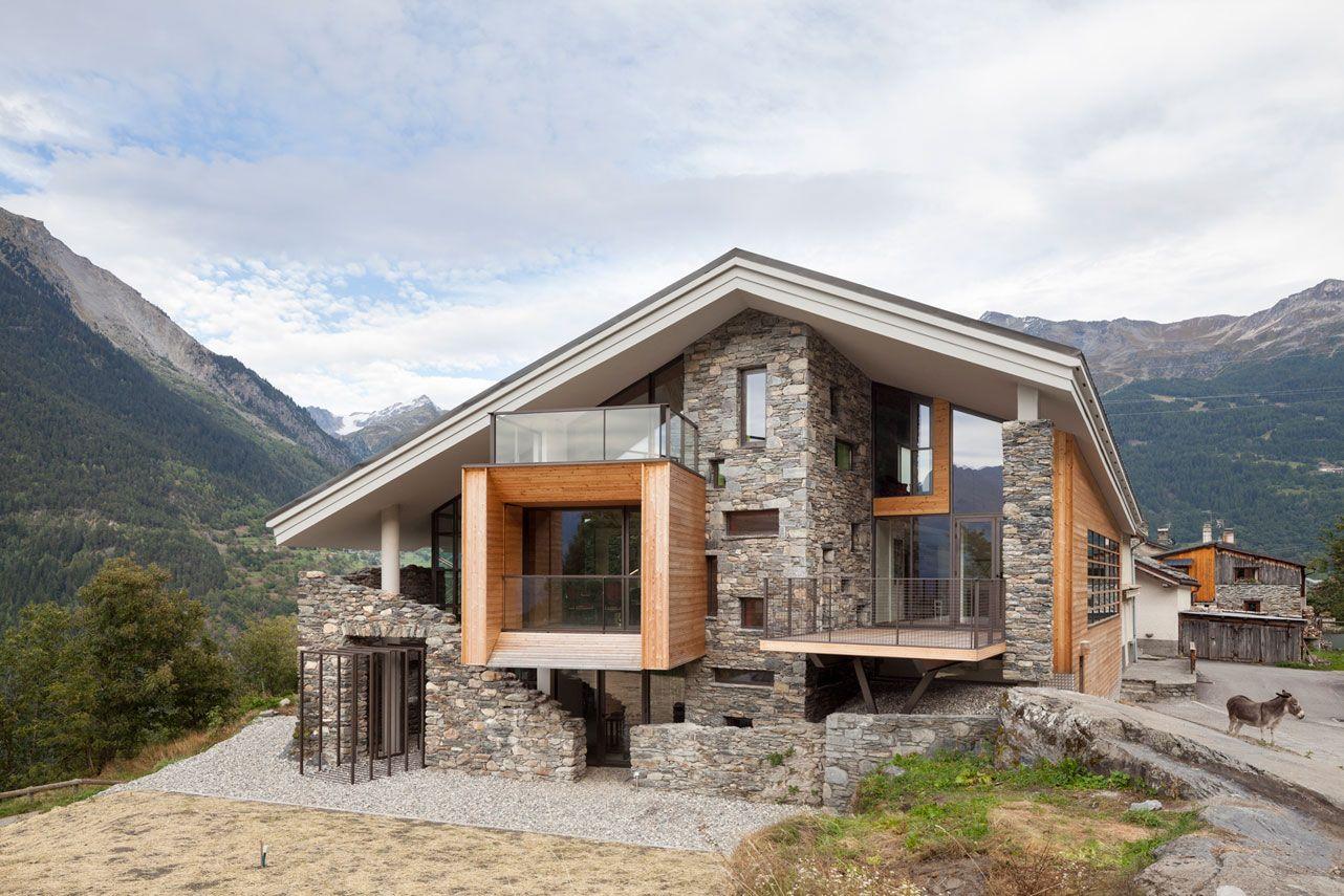 Dise o de casa moderna en la monta a fachada de madera y piedra la integran al entorno rural - Chalet de madera y piedra ...