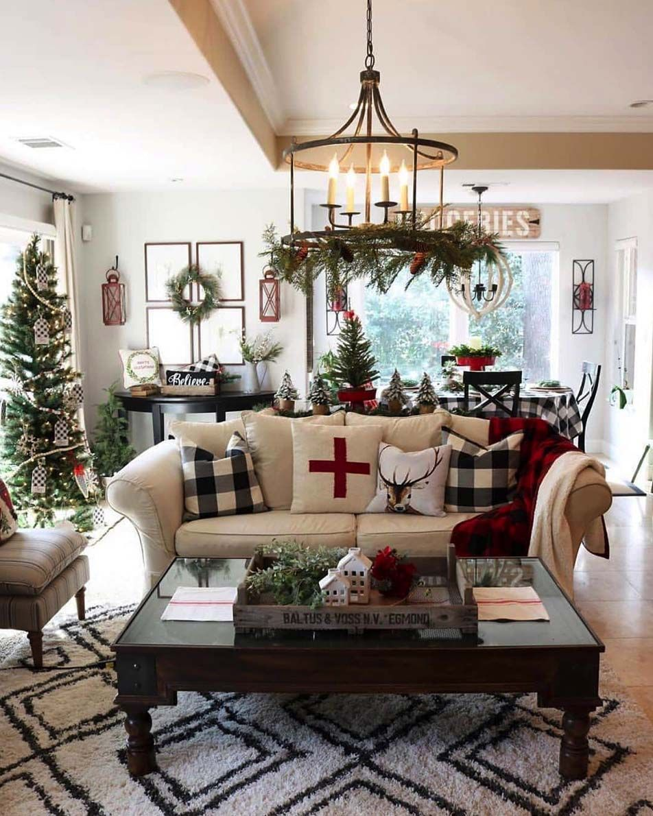 40 Cozy And Wonderful Rustic Farmhouse Christmas Decorating Ideas Christmas Decorations Living Room Farmhouse Christmas Decor Indoor Christmas Decorations