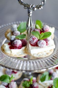 Sparkling Cranberry Brie Bites #cranberrybriebites cranberry brie bites #cranberrybriebites