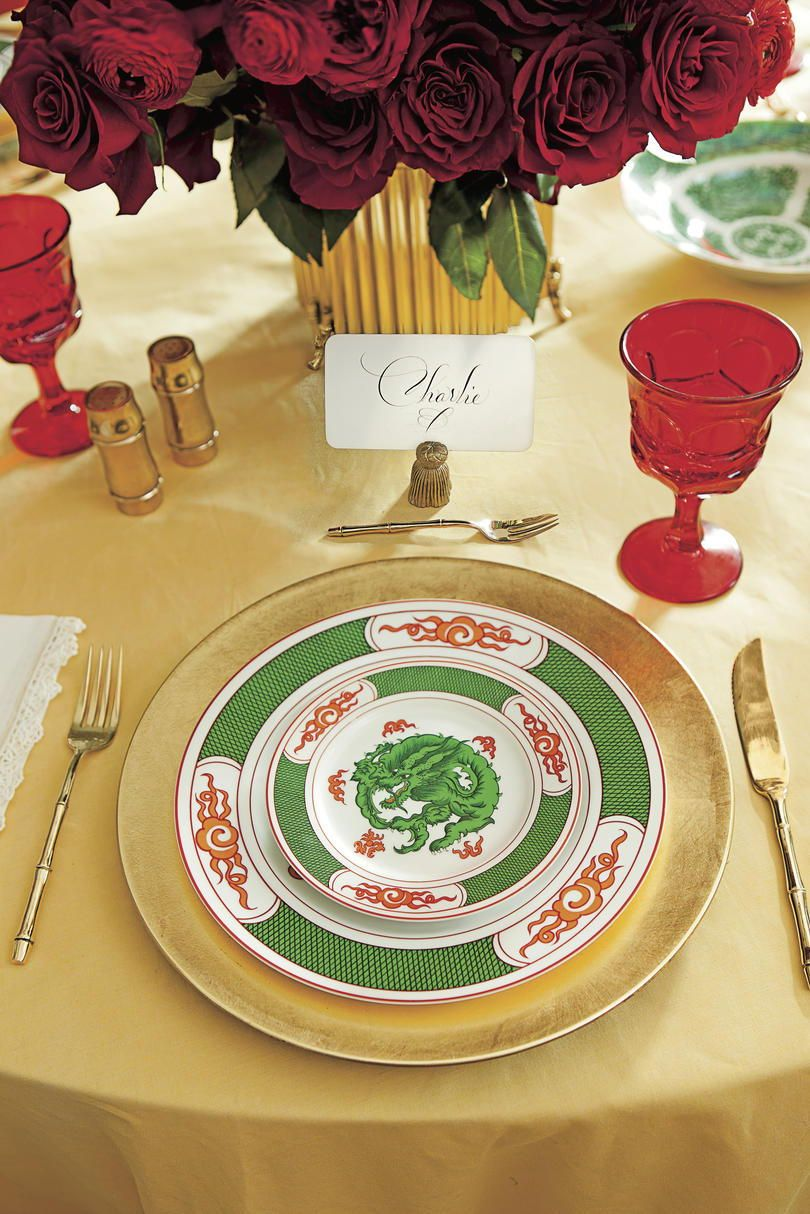 Our Favorite Christmas Table Settings Christmas Table Settings Table Settings Table