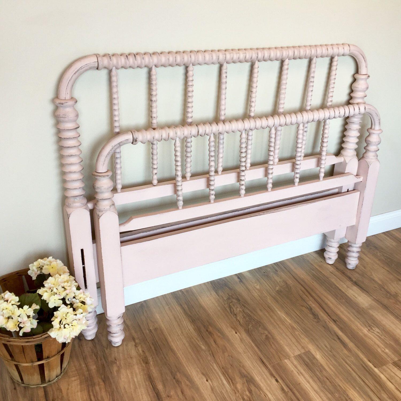 Jenny Lind Bed Three Quarter Bed Pink Bed Frame Antique Bed Frame Spindle Bed Spool Bed By Vintagehipdecor On Etsy Spool Bed Jenny Lind Bed Bed Frame