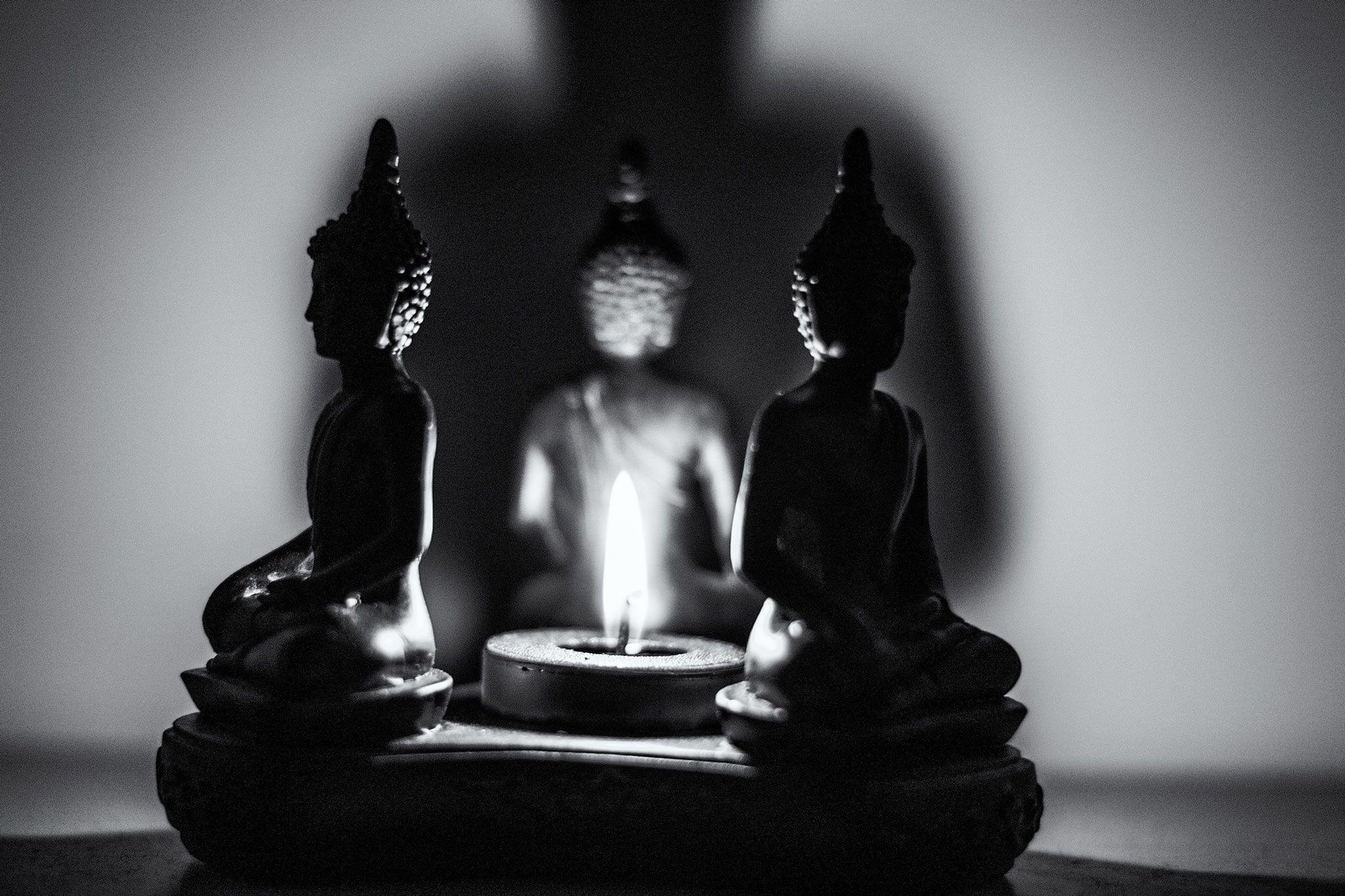 meditazione - bianco e nero