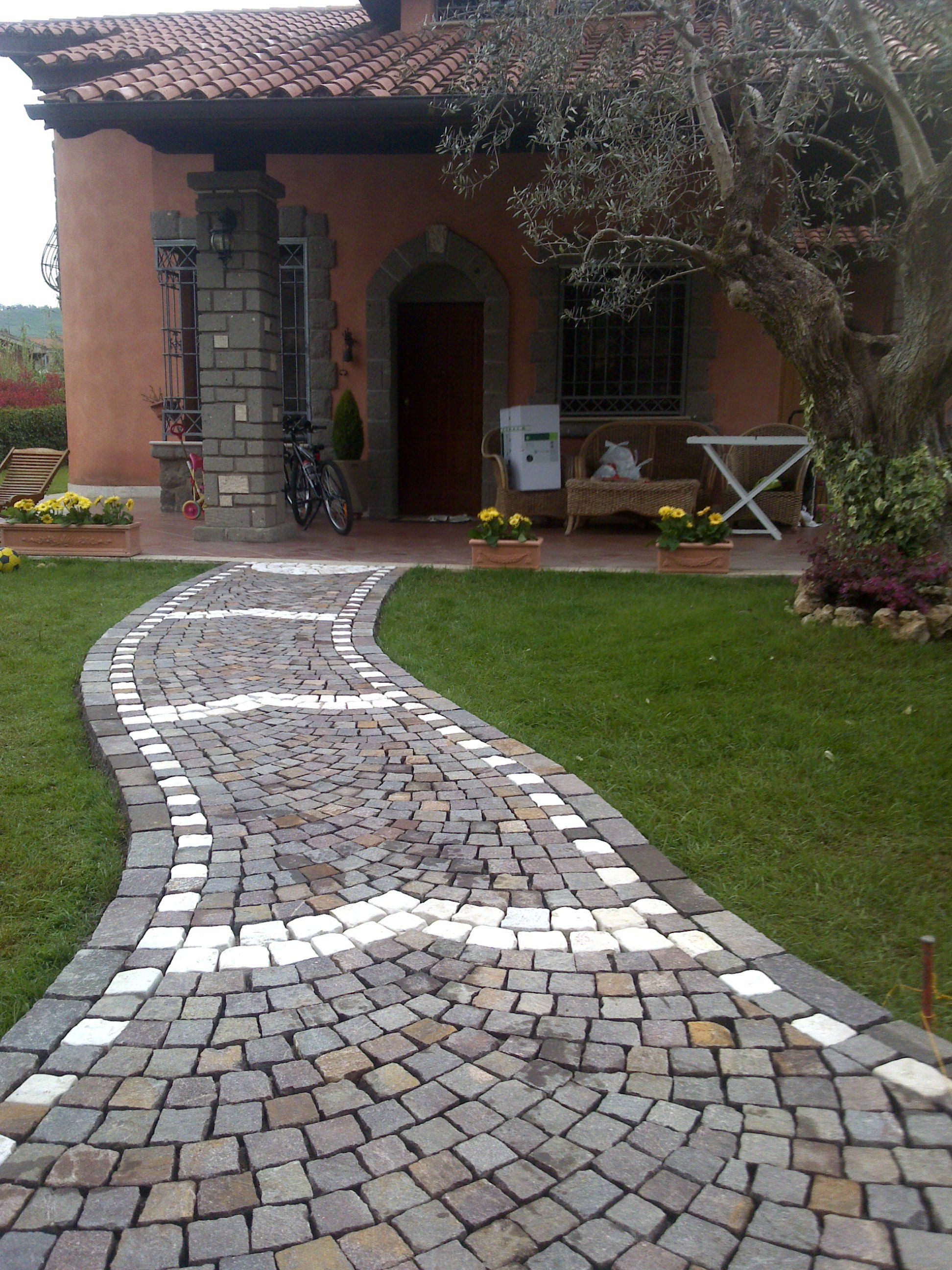 Posa Pavimento A Secco Giardino cubetti di porfido + greca (con immagini) | pavimentazione