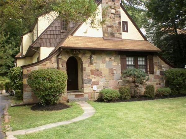Plainfield Nj Charming Tudor Style Home 235 000 Tudor Style Homes Tudor Style New York Homes