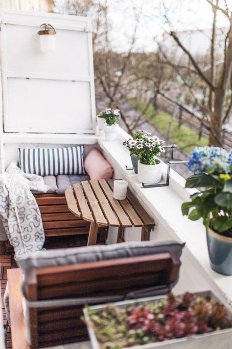 Schmalen balkon einrichten  Unser kleiner Mini-Balkon: Tipps, einrichten, Staufläche | Balkon ...
