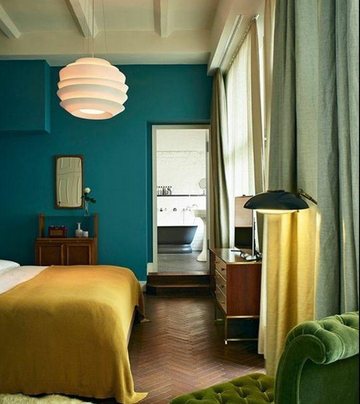 Charmant Idee Deco Bleu Canard Dans Une Chambre A Coucher Adulte, Fauteuil Vert,  Suspension Design