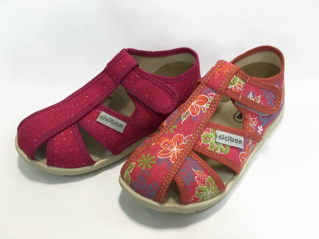 867ac913d363 Domáca obuv Ciciban perforovaná pre dievčatá. Dievčenské papučky ...