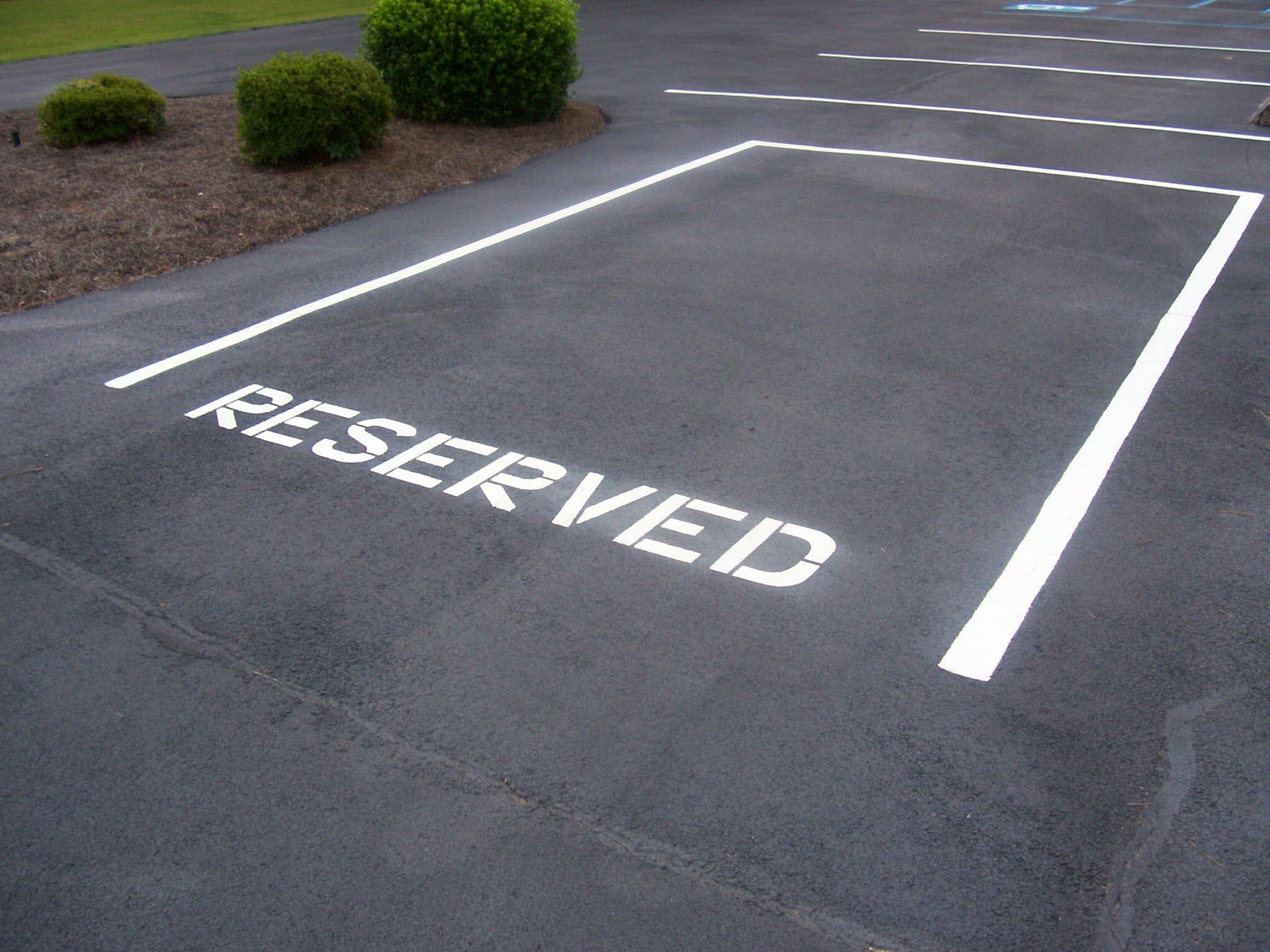 Reserve a spot to park your car properly bat the airport with reserve a spot to park your car properly bat the airport with professional assistance kristyandbryce Choice Image