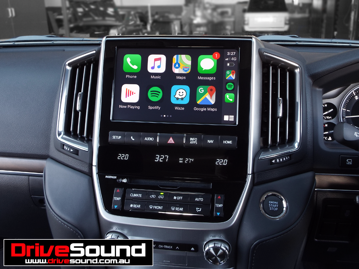 2019 Toyota Land Cruiser Sahara with Apple CarPlay