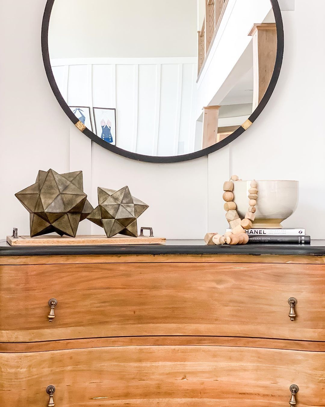 One of our philosophies at RDI is that a console table is always the perfect canvas to showcase all of your fun and funky accessories for the world to see 🙌🏼⠀ •⠀ •⠀ •⠀ #RDIlakehouse #consoletable #lakehouse #lakehousedesign #Lakehouseliving #lakehouselife #lakegaston #consoletablestyling #consoletabledecor #shelfie #shelfstyling #decor #interiordecorating #interiorinspo #interiordesign #raleigh #wakeforest #raleighnc #raleighinteriordesign #wakeforestinteriordesign