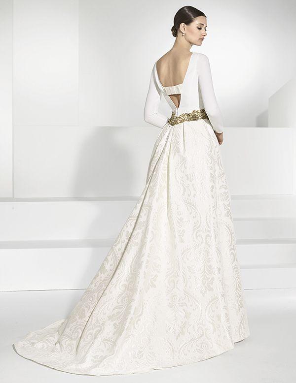 traje de novia de falla con sobrefalda brocada de quita y pon