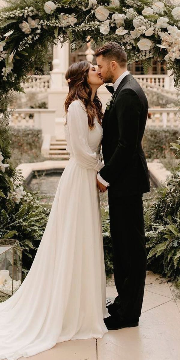 White Wedding Dress Brides Imagine Having The Most Appropriate Wedding Ceremony However For Th Simple Bridal Gowns Wedding Dress Guide Modest Wedding Dresses