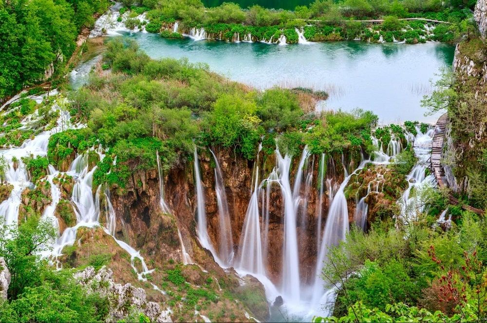 5 Places You Must See In Croatia In 2020 Plitvice Lakes Plitvice Lakes National Park Croatia