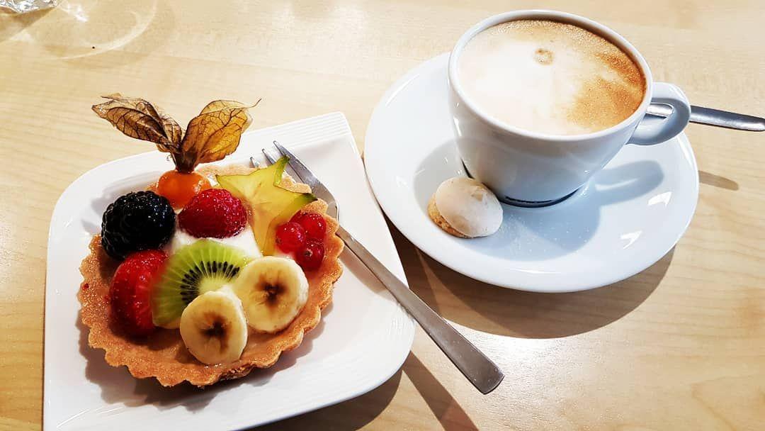 Lecker Kaffee und Törtchen 😊
