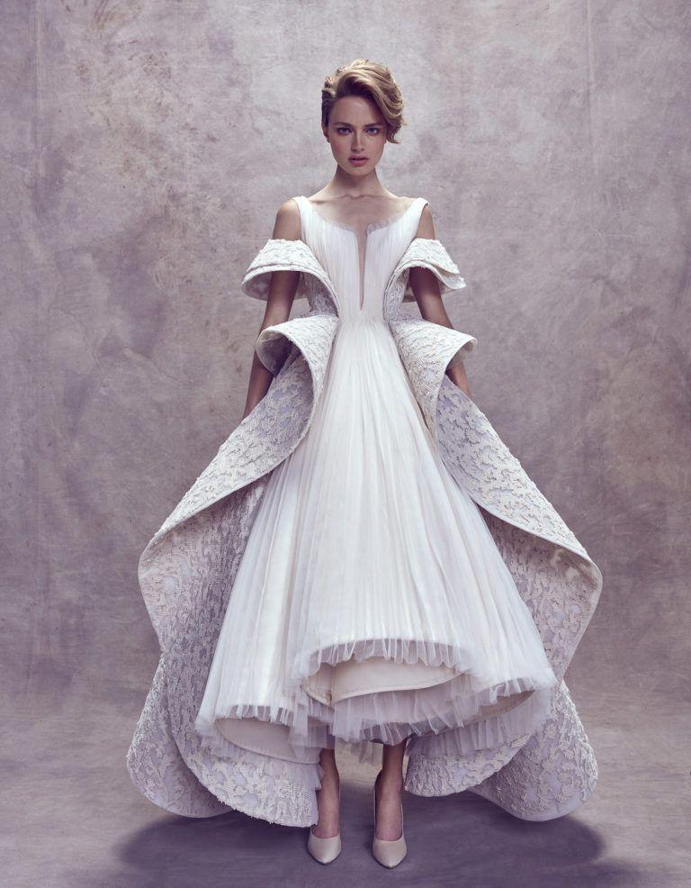 Ashi Studio - Vogue Arabia Fall 2017 Couture  0d1212f26767d