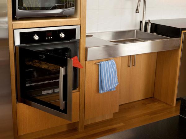 Universally designed kitchen - great setup! #aginginplace #qca ...
