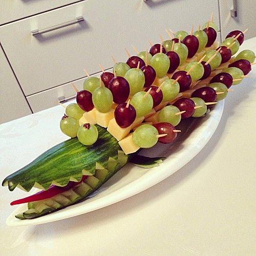 Gurkenkrokodil, ein leckeres Rezept aus der Kategorie Snacks und kleine Gerichte. Bewertungen: 338. Durchschnitt: Ø 4,7.