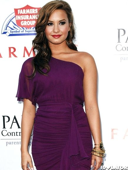 purple red carpet dresses   Selena Gomez Vs. Demi Lovato: Red ...