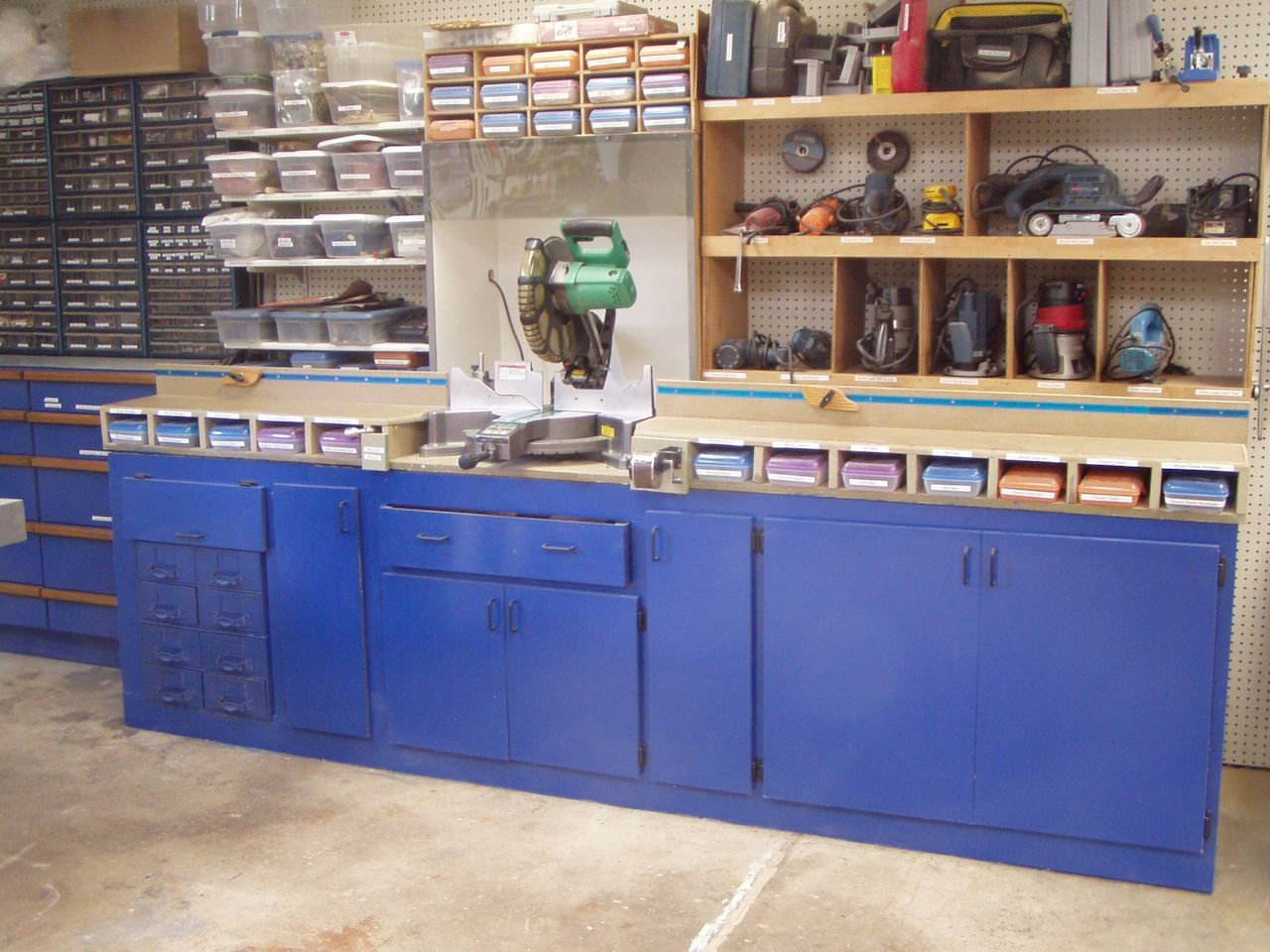 and work portable unusual cabinets cabinetsgarage station garage of for cabinet size info best tool full charitysplits storage usa boxs image build inspirations