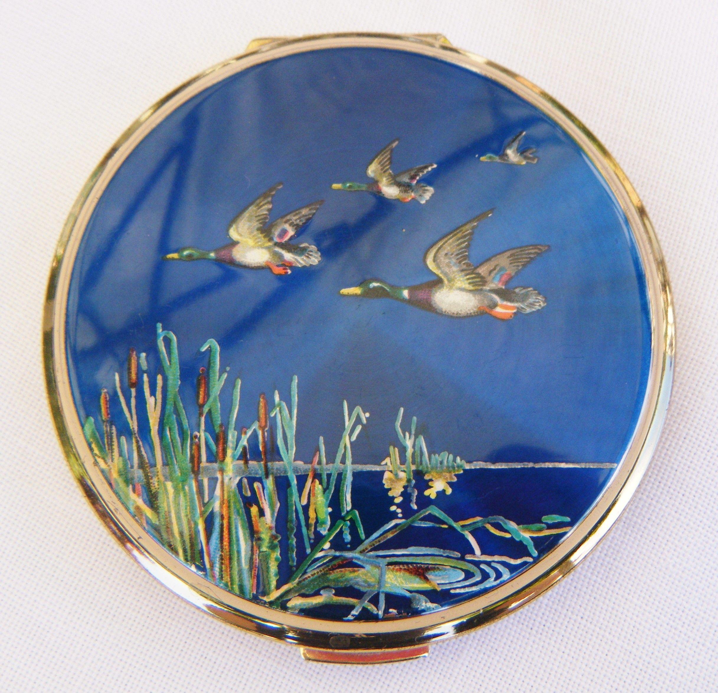 Pin by Karin Reid on Wonderful Compacts Stratton compact