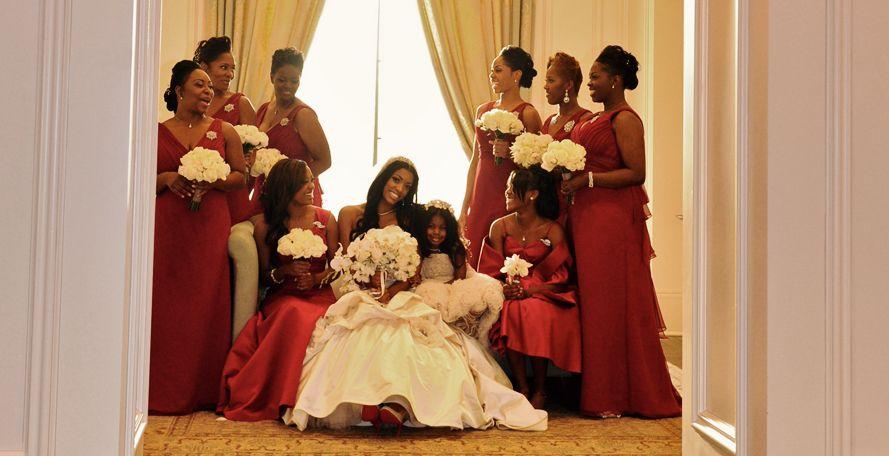 Porsha Stewart Bridal Party I Love This Pic Very Classy And Elegant Inspiration For My Atlanta Wedding Photography Wedding Inside Wedding Bridesmaid Dresses